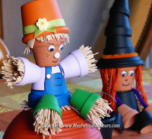 Activit d co avec des minis pots de fleurs pouvantail - Comment faire des decoration d halloween ...
