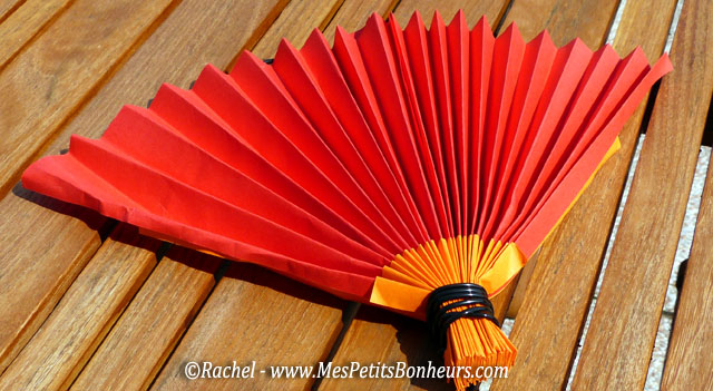 Activit d t on fabrique des ventails en papier accord on pour faire du vent - Comment se creer le vent ...