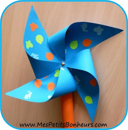 Bricolage enfant le moulin vent explications pour fabriquer ce tourniquet - Comment fabriquer un moulin a vent en papier ...