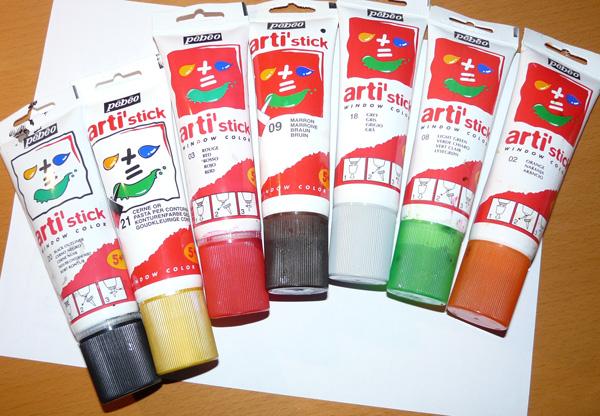 Bricolage no l d cor de fen tre pour enfants technique for Peut on peindre des fenetres en pvc