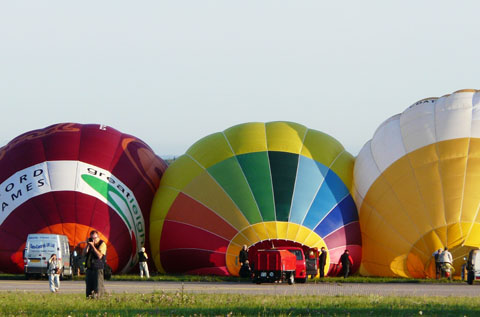 Chambley-2009-montgolfieres-gonflement-2