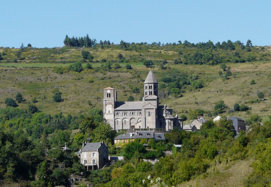 Tourisme en auvergne l 39 glise de saint nectaire vaut la - Office de tourisme auvergne puy de dome ...