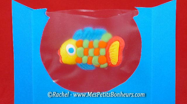 poisson pate a modeler dans aquarium
