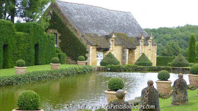 Visite des jardins du manoir d 39 eyrignac tourisme en p rigord for Bassin de jardin grand volume