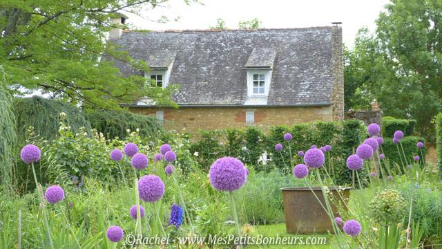 Visite des jardins du manoir d 39 eyrignac tourisme en p rigord for Jardin anglais chalons en champagne