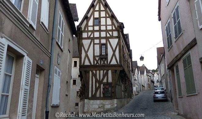 Chartres-vieille maison en bout de rue