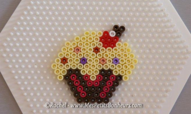 Mod les en perles hama cupackes ourson karat ka et poussin - Model perle a repasser ...