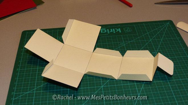 Calendrier de l 39 avent fait main 24 boites en papier d corer - Faire un cube en papier ...
