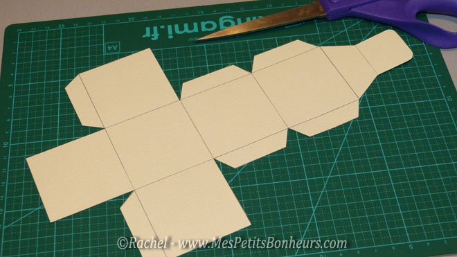 Calendrier de l avent fait main 24 boites en papier d corer - Modele de boite en cartonnage ...