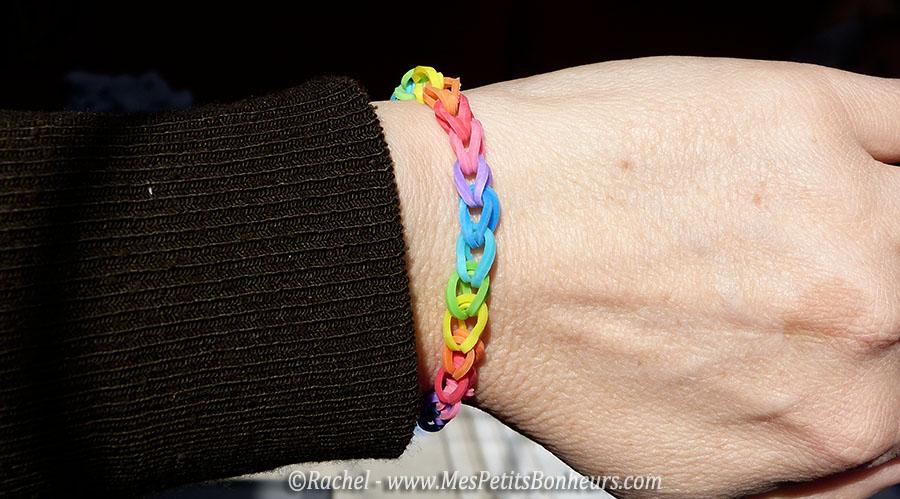 bracelet élastique arc-en ciel facile