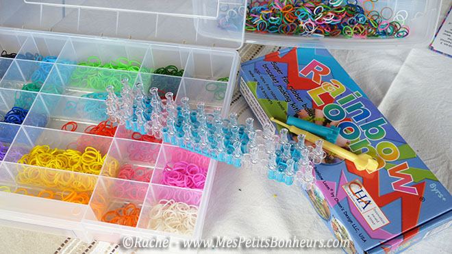 kit rainbow loom et élastiques triés dans boite à vis