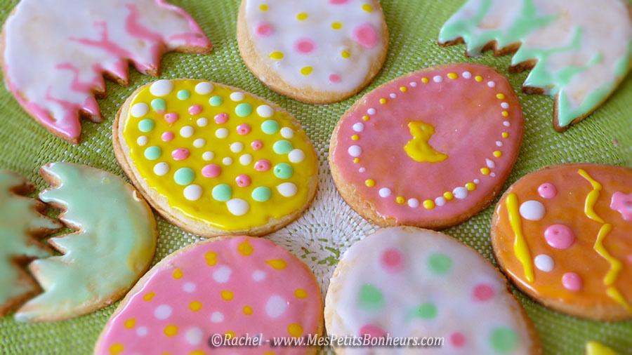 Petits g teaux de p ques oeufs d cor s de sucre color - Que faire avec de la pate a sel ...