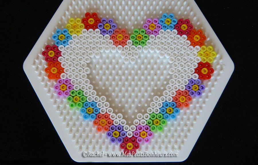 Cadre photo coeur et fleurs en perles hama pour la f te des m res - Modele perle a repasser facile ...