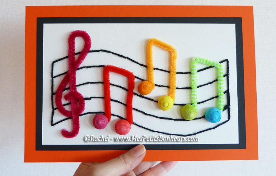 bricolage enfant fete de la musique notes arc en ciel sur partition