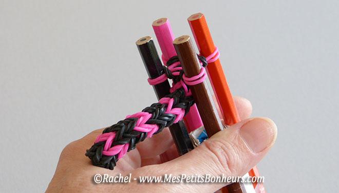 Loom circulaire 4 tiges tricotin pour lastiques fabrication et mode d emploi - Que faire avec un tricotin ...