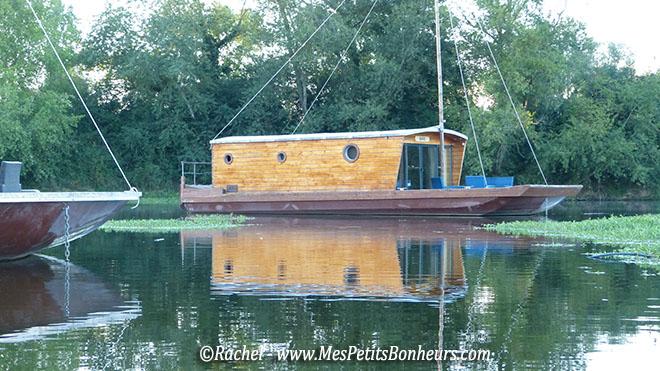 cabane sur l'eau hébergement nature
