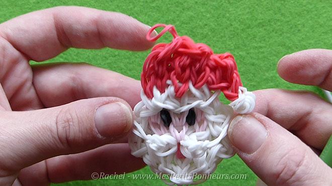 Tuto Père Noël en élastiques Rainbow Loom pour la déco du sapin.Image fixe029
