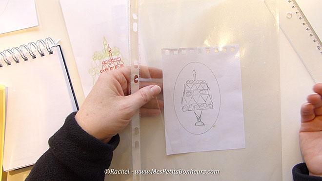 modele gateau d'anniversaire sous pochette plastique