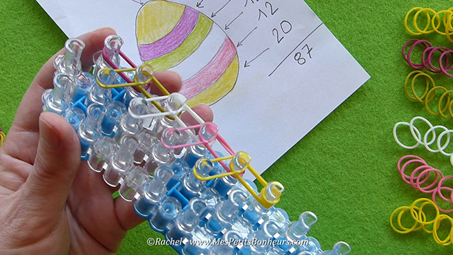Tuto oeuf de paques en elastiques rainbow loom.Image fixe005