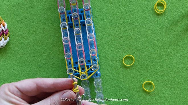 Tuto oeuf de paques en elastiques rainbow loom.Image fixe014