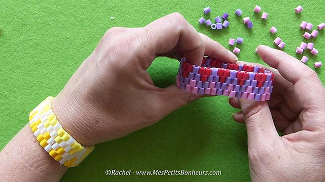 bracelet en perles hama tress es id e cadeau faire soi. Black Bedroom Furniture Sets. Home Design Ideas