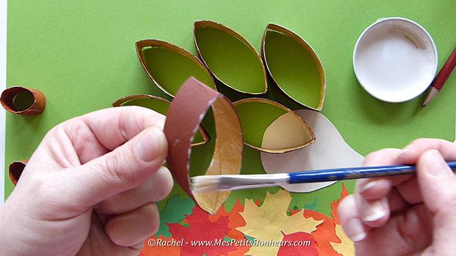 Bricolage herisson recup pour l'automne.Image fixe013