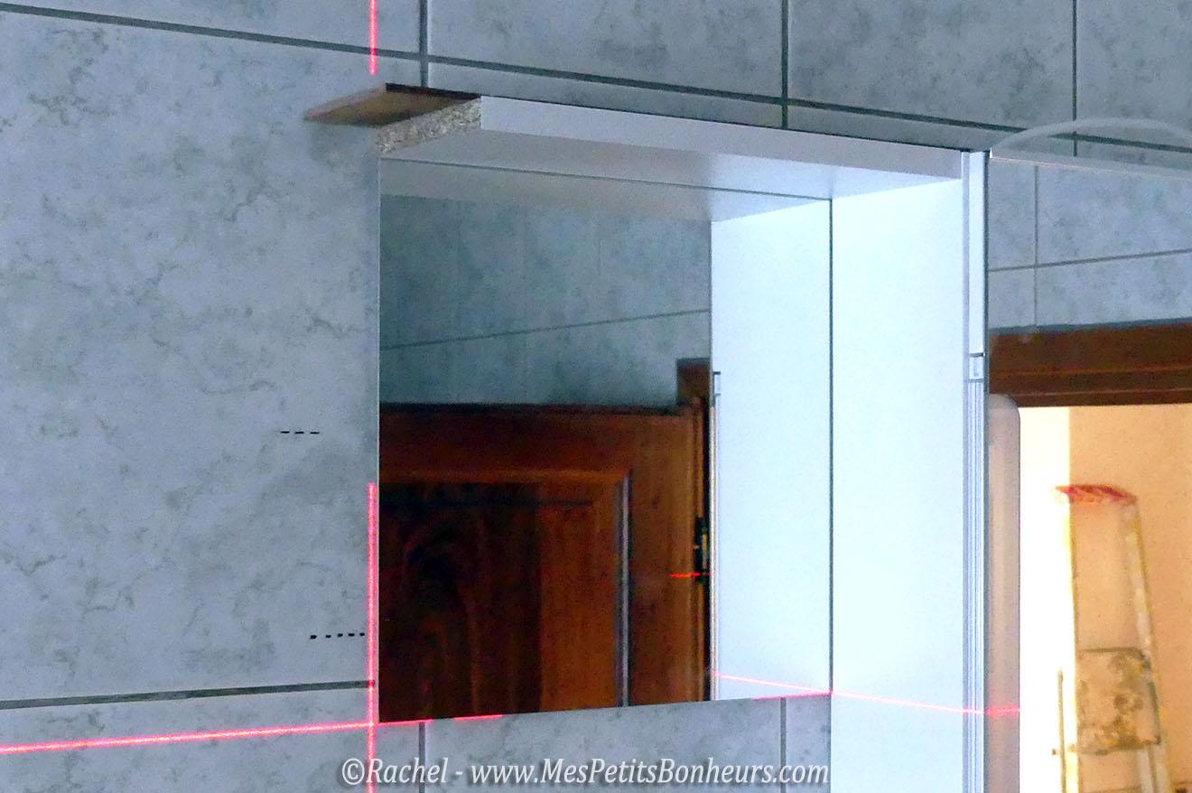 R novation salle de bain tape 1 armoire de toilette for Miroir autocollant