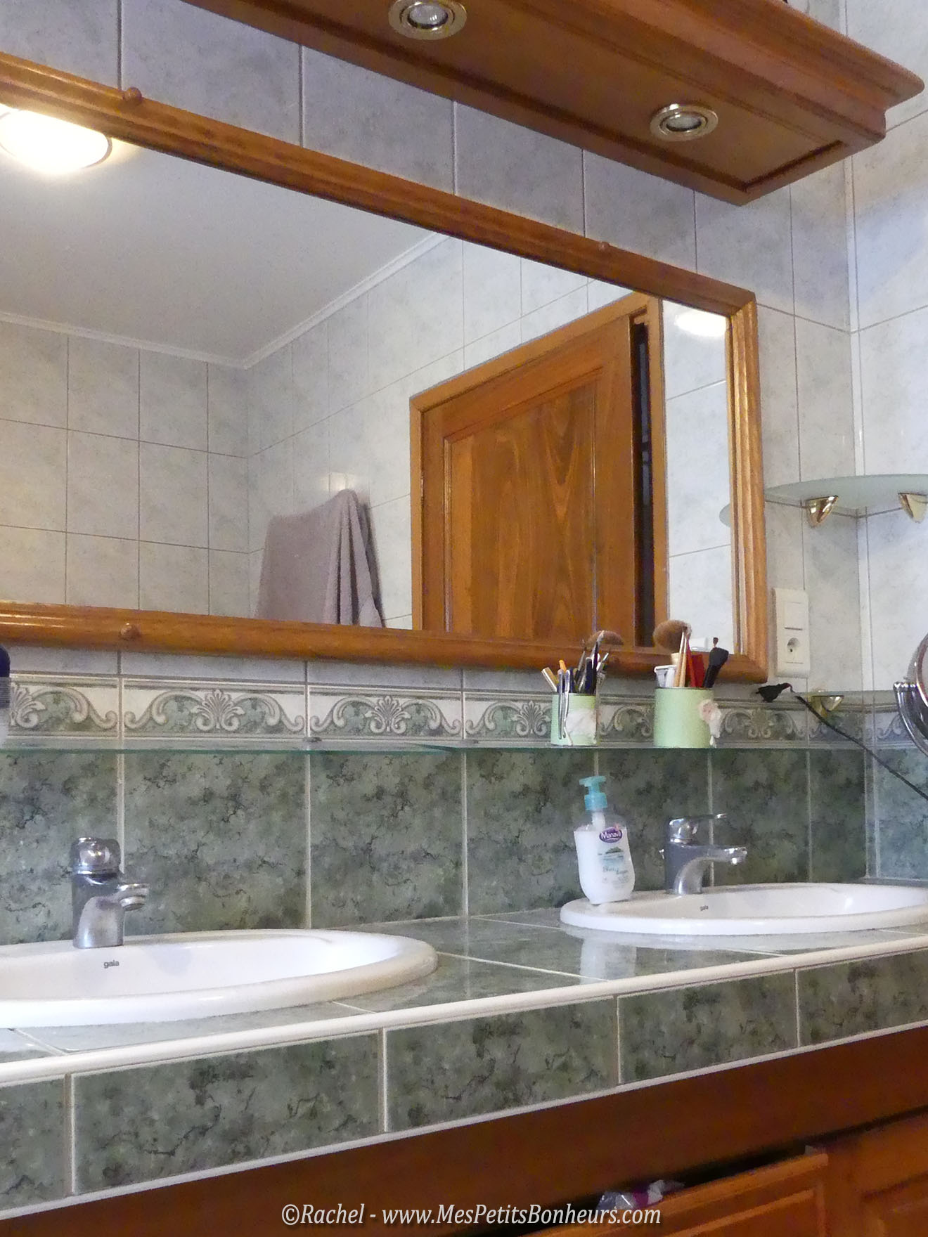R novation salle de bain tape 1 armoire de toilette for Armoire de toilette miroir lumineux