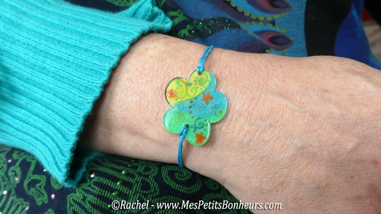 bracelet plastique fou fleur et fil coton ciré