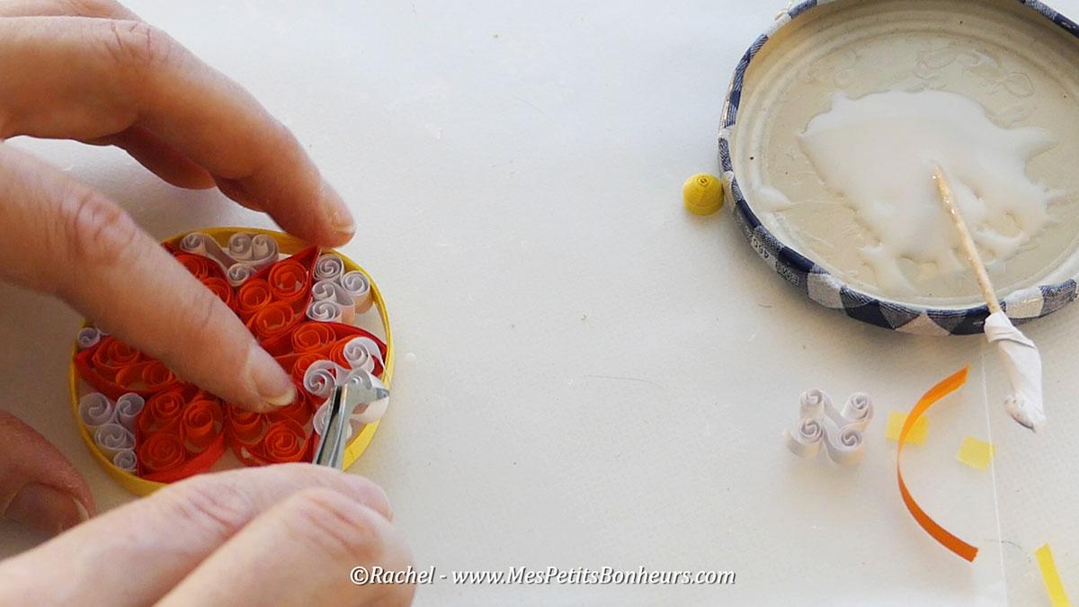 quilling-bouclettes-pour-fleurd-e-noel