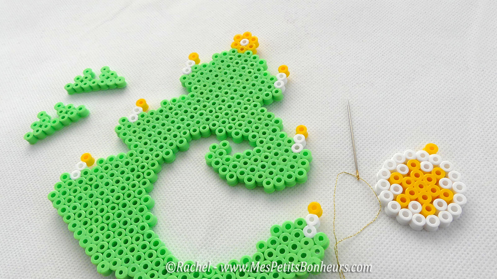 sapin-noel-perles-hama-a-assembler