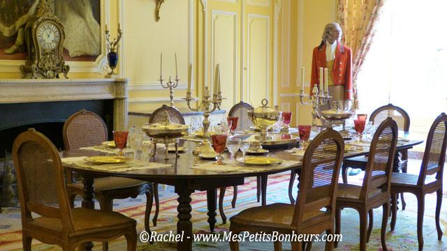 Le ch teau d 39 uss pr s de chinon demeure de la belle au for Chateau d ax table de salle a manger