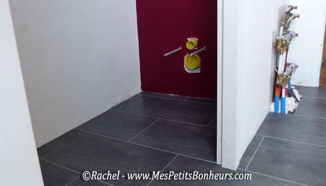 Pose de dalles gerflor carrelage min ral la salle de - Gerflor salle de bain ...