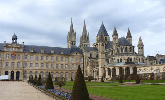 Caen visite de la ville avec un parcours nigmes for Piscine caen