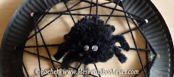 Bricolage d co halloween araign e pompon et sa toile de - Comment faire des decoration pour halloween ...