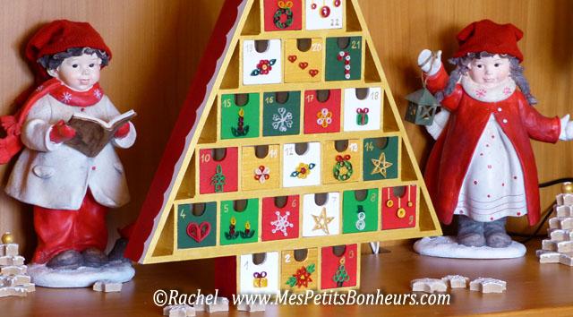 Quilling de no l pour mon calendrier de l avent sapin en bois - Sapin en bois a decorer ...