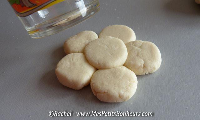Cadeau fabriquer par les petits bouquet de fleurs en p te sel - Pate a sel modele ...