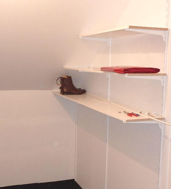 Am nagement sous un escalier pour un coin chaussures bien ordonn - Comment poser des etageres ...