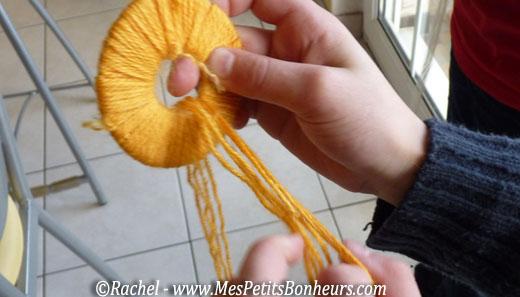Pompons poussins - Pompon en laine avec carton ...