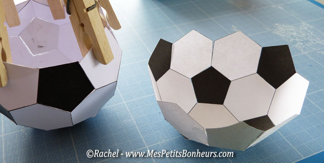 ballon de foot vide poche pour la f te des p res. Black Bedroom Furniture Sets. Home Design Ideas