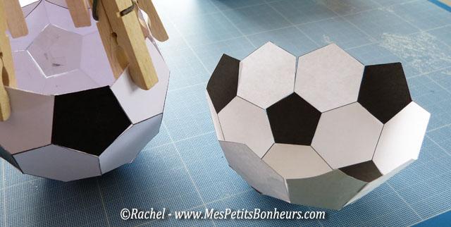 ballon de foot vide poche pour la f te des p res ou pour l. Black Bedroom Furniture Sets. Home Design Ideas
