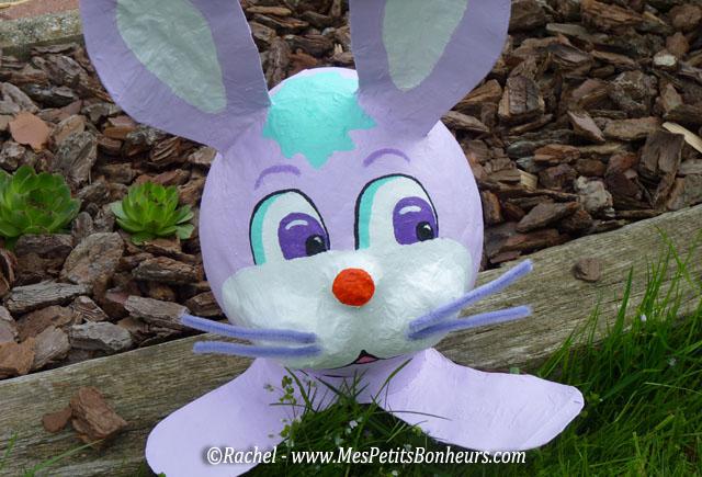 Bricolage lapin de p ques en papier m ch pour d co de for Decoration exterieur pour paques