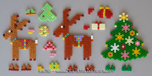 Perles hama mod le de no l sapin cadeaux et rennes - Decoration de noel rennes ...