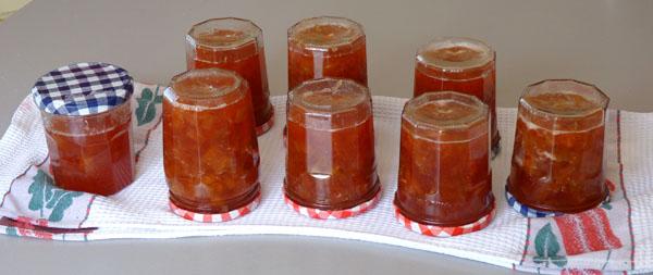 confiture de rhubarbe et fraises recette pas si acide qu il y parait