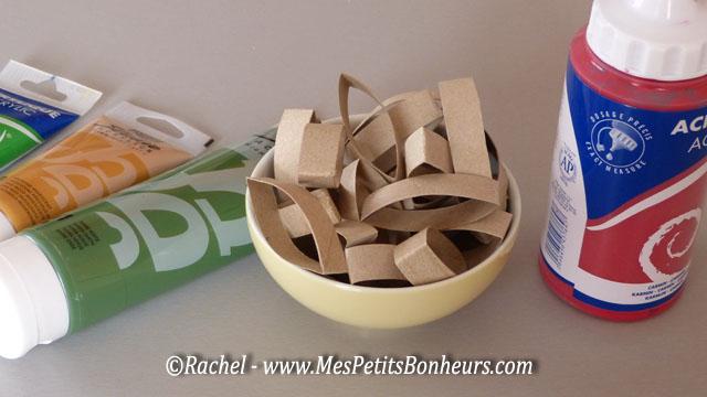 Bricolage couronne de no l avec des rouleaux en carton de papier toilette - Bricolage avec rouleau papier toilette vide ...
