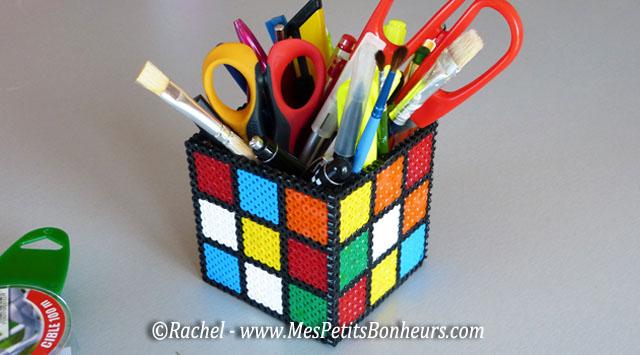 bricolage: pot à crayons rubik's cube en perles hama à repasser