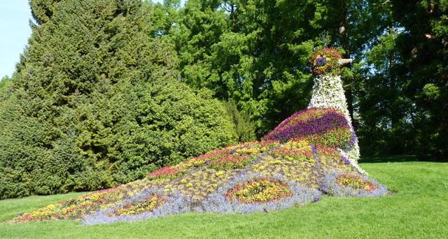 L'art topiaire! Sculpture-de-fleurs-paon